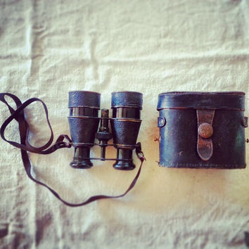 Antique Binoculars, Vintage yachting Binoculars, Early 20th Century Leather and Brass field glasses, opera glasses