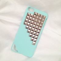 FREE Shipping US -- iPod Touch 5 Silver Studs Studded Rubberized Hard Phone Case AT&T Verizon Sprint