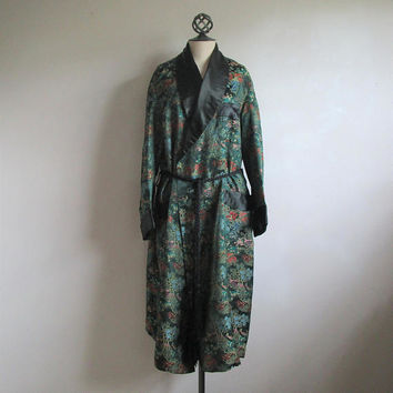 Mens 1960s Brocade Smoking Jacket Vintage Majestic Asian Oriental Robe Man Cave 60s Leisure Coat Lrg