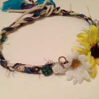 flower headband with feather in tie