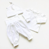 Newborn Organic Take Home Outfit Set. White baby girl or boy shower gift. knot hat, pants, shirt. Going home set