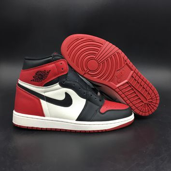 Air Jordan 1 Black Toe 555088-610