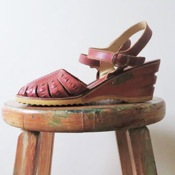 90s Wedge Sandals Reddish Brown Terra Cotta Woven Leather and Genuine Wood Espadrilles Women Size 8 1/2 or 39
