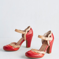 Vintage Inspired Sights in the City Heel in Poppy