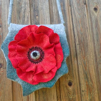 Red flower. Wet Felted Bag.