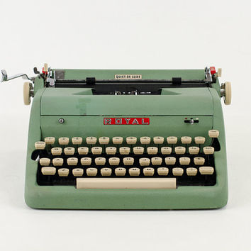 Vintage Green1950s Royal Quiet De Luxe Typewriter with Case