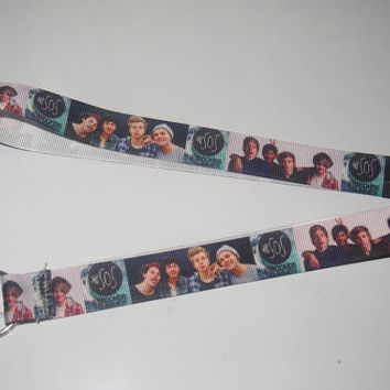 black Lanyard = 5 seconds of summer, 5SOS, 5 Sos Lanyard, ID Badge or Key Holder Ring -