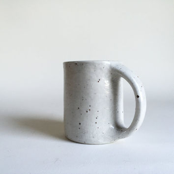 WHITE SPECKLED MUG 14 oz, ceramic, pottery, handmade, coffee, tea, hot, cocoa, chocolate, milk, water, chai, latte, juice, beer