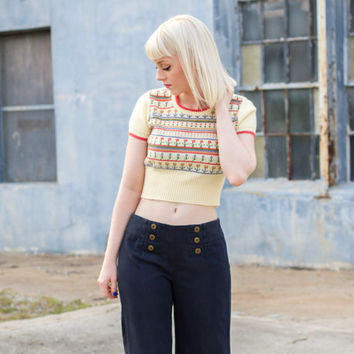 vintage crop top sweater / 70s crop top vintage / belly shirt / floral crop top shirt / cropped sweater crop top / knit crop top