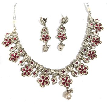 Silver matte finish Traditional flower design kemp like stone embedded choker necklace and earring set