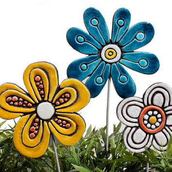 Flower garden art - plant stake - garden marker - garden decor - flower ornament - ceramic flower - dots - yellow and red