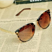 Cat Eye OverSized Round Sunglasses JHT001