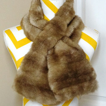 Vintage 1970s Edward An Blonde Faux Fur Scarf with Satin Lining - 41 Inches Long
