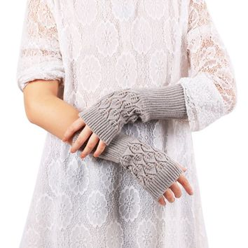 New Winter Female Hand Arm Crochet Knitted Mittens Fingerless Gloves Women Knitted Wrist Glove half Finger Gloves feminina 2017