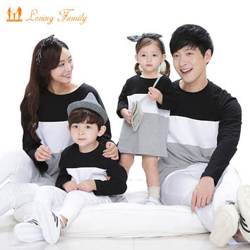 Family Matching Outfits Mother Daughter Dress Family Look 2017 Family Clothing Father Son T-Shirt Cotton Patchwork Striped