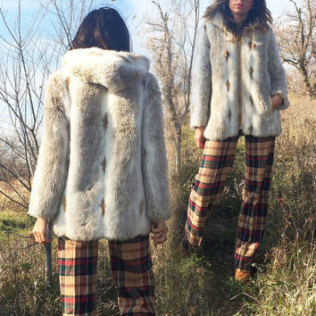 Vintage 1960's 1970's Faux FOX Fur Hooded Snow Bunny Parka || Diamond Print White Cream Taupe Coat || Size Small