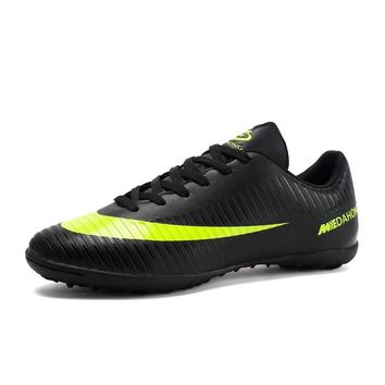 Men Soccer Shoes Spring Summer Male Outdoor TF Soccer Cleats Athletic Trainers Lace Up Leather Boys Football Boots