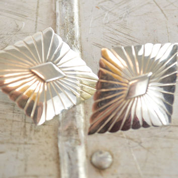 Native American Silver Studded Earrings Diamond Flower Design