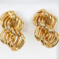 Gay Boyer Earrings Gold Tone Clip On Chain Links 1.25 in x .75 inch