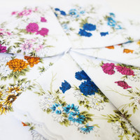 Vintage printed floral napkins 6 Luncheon by ZomaleeVintage