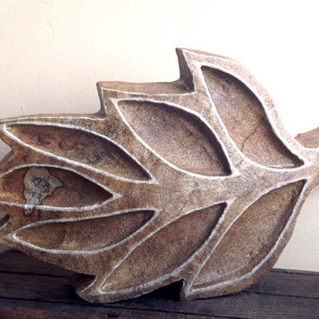 Stone Sculpture - Carved Leaf Sculpture. Stone ornament. Leaf Statue, Leaf Sculpture, Leaf sculpture, Woodland art, Stone Carving, Nature,
