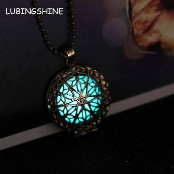 Steampunk Antique Bronze Magic Round Locket Glow In The Dark Pendant Necklace Glowing Luminous Vintage Hollow Necklace Gift N282