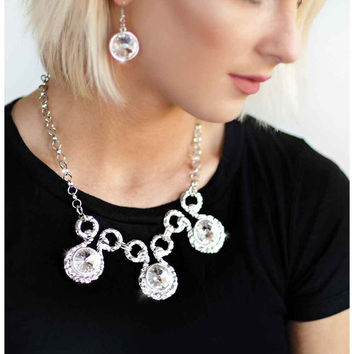 Paparazzi Hypnotized - Silver Necklace and Earrings