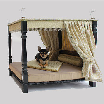 Bespoke Four Poster Pet Bed
