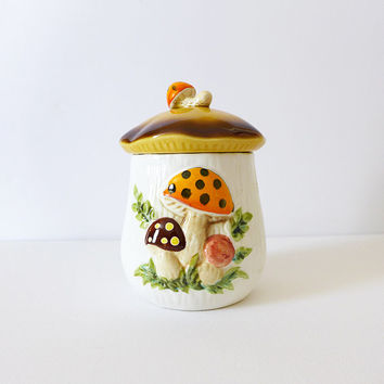1970s Mushroom Jar 1970s Kitchen Retro 70s Mushroom Decor Counter Jar 1970s Housewares 70s Decor Cookie Jar Ceramic Canister Merry Mushroom