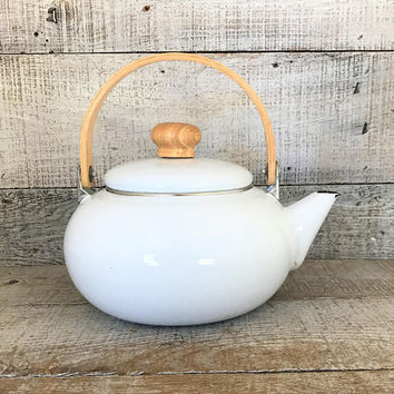 Teapot Enamel Teapot Mid Century White Enamel Teapot with Wood Handle and Knob White Tea Kettle Farmhouse Chic Tea Kettle