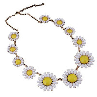 PUSHING DAISY NECKLACE