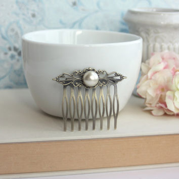 Wedding Hair Comb. Ivory Pearl, Shabby Chic, Vintage Inspired, Pearl Hair Comb. Bridal Pearl Wedding Clip. Bridesmaids Gift.  Filigree Comb
