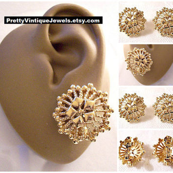 Monet Starburst Nail Heads Clip On Earrings Gold Tone Vintage Large Raised Diamond Accents Twisted Open Ribs