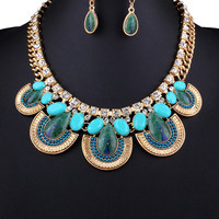 Green Stone Chunky Chain Necklace with Earrings