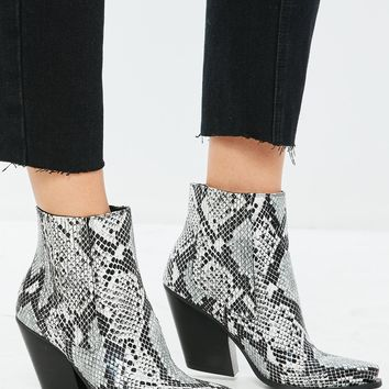 Missguided - Gray Snakeskin Curved Heel Western Chelsea Ankle Boots