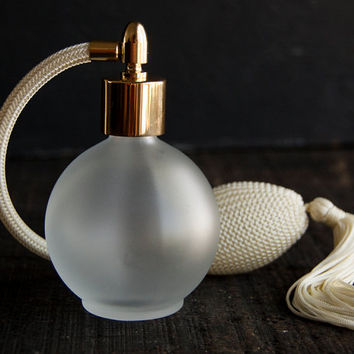 Atomizer Perfume Bottle Decanter- Empty Frosted Glass Round