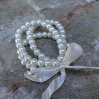 Pearls and Bows Bracelet