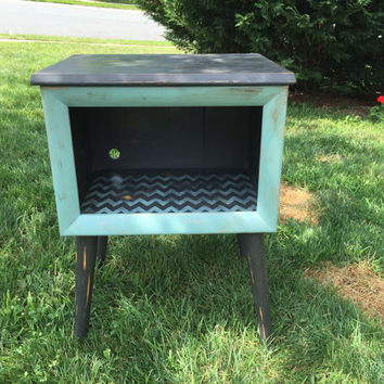 Vintage Radio/Record Player Cabinet-chalk painted