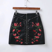 2017 New Women Vintage Rivets Embroidered PU Leather Skirt Sexy Slim Short Punk Pencil Skirts Zipper Mini Skirt QUN006