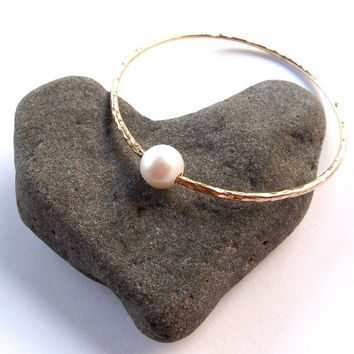 White Pearl Bangle, Gold Hammered Bracelet, Hawaii Beach Jewelry, Love, Bridal, Weeding Accessory, Gift for Her