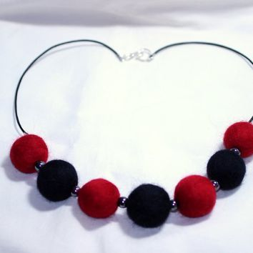 Leather And Wool Black And Red Necklace