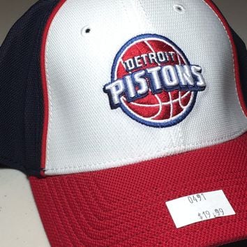 BRAND NEW DETROIT PISTONS RETRO NAVY & WHITE NEW ERA CURVED BRIM FITTED HAT