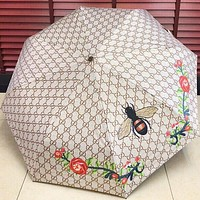 LV Louis vuitton selling a pair of stylish alphabet bee, a high-end automatic umbrella and a sun umbrella