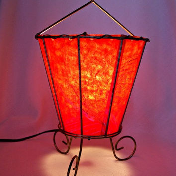 Vintage Red Mid Century MODERN Fiberglass Atomic TV Table Lamp Metal Frame RETRO 1950's
