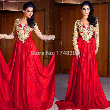 Charming Red Deep V Neck Full Sleeve Lace Prom Dresses Ruffles Vintage See Through Elegant Evening Gown Special Occasion Dress