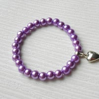 Purple pearl bracelet made with elastic cord and heart shape pendent, handmade jewelry pearl gift under 5 10 20 30, Glass pearl beads