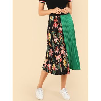 Cut And Sew Pleated Skirt