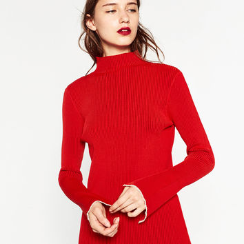 RIBBED SWEATER DETAILS