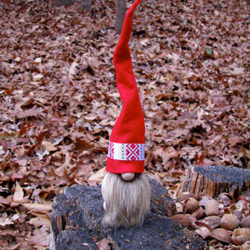 Swedish Tomte with Red Luse Hat and Brown Beard / Tomte Nisse / Scandinavian Christmas Tomte. Handmade by studioLISE.