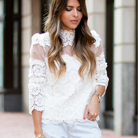 Thin Hollow Lace Sleeve Loose Bottoming T-Shirt